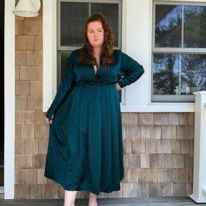 Vintage 80s Green Silky Midi Long Sleeve Dress